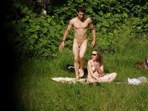 Spy-Camping-Couple-Voyeur-x55-v7agupwxnt.jpg