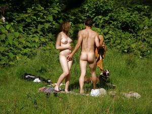 Spy-Camping-Couple-Voyeur-x55-27aguqd541.jpg