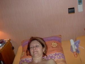 Sexy-milf-Sylvie-1-x119-z7a3fcf0lj.jpg
