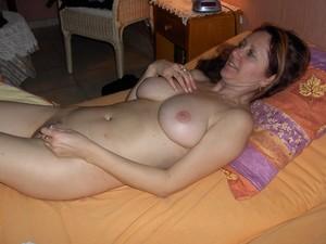 Sexy-milf-Sylvie-1-x119-n7a3faps6m.jpg