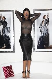 Rihanna-%E2%80%93-See-Through-Leaked-Photos-67dqf0vfnd.jpg